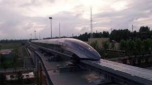 الصين تكشف عن قطار مغناطيسي تبلغ سرعته 600 كلم في الساعة.. الأسرع فوق الأرض! (فيديو)