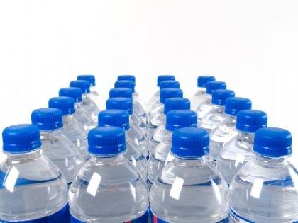 الولايات المتحدة تستهلك 10 مليار غالون سنويا...المياه المعدنية ضررها أكثر من نفعها