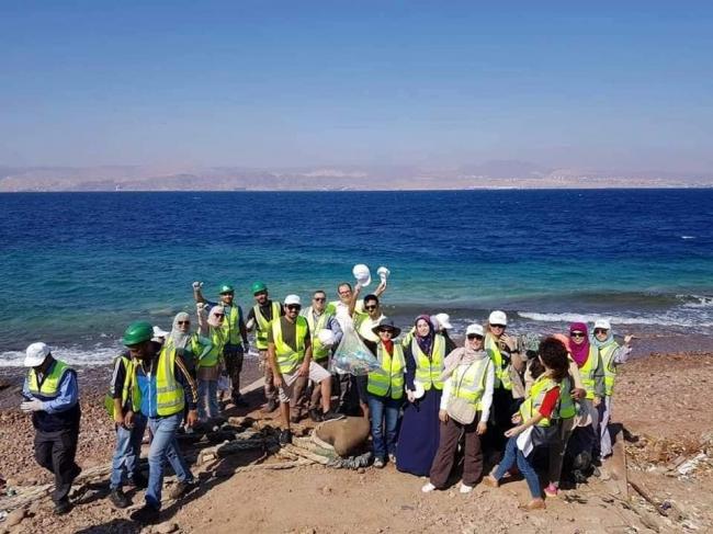 ريبورتاج: بيئيون من الأردن وفلسطين يعيشون تجربة بيئية فريدة في العقبة