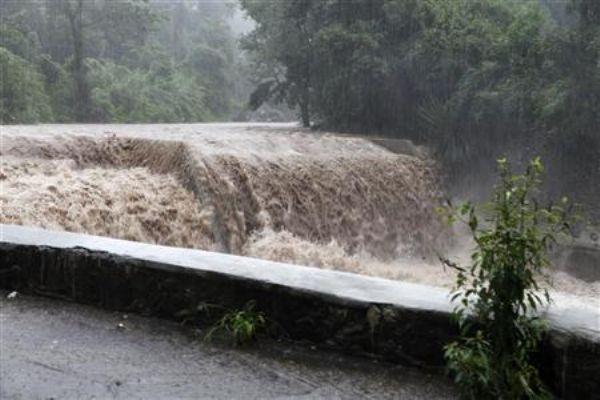 شدة الاعصار ساندي تزداد مع وصوله إلى كوبا